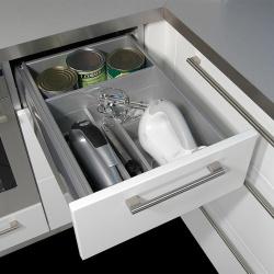 040M-Schublade-mit-Elektromesser-und-Mixer